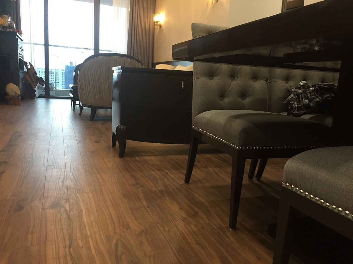 Sàn gỗ Kronopol D4903 - Chung cư Metropolis Vinhomes Liễu Giai