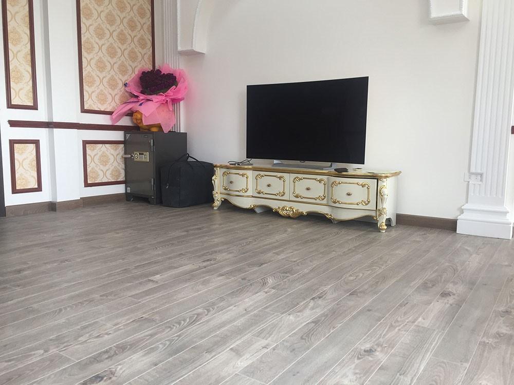 Sàn gỗ Kronopol D4905 - Biệt thự 500m2 tại Quế Võ, Bắc Ninh