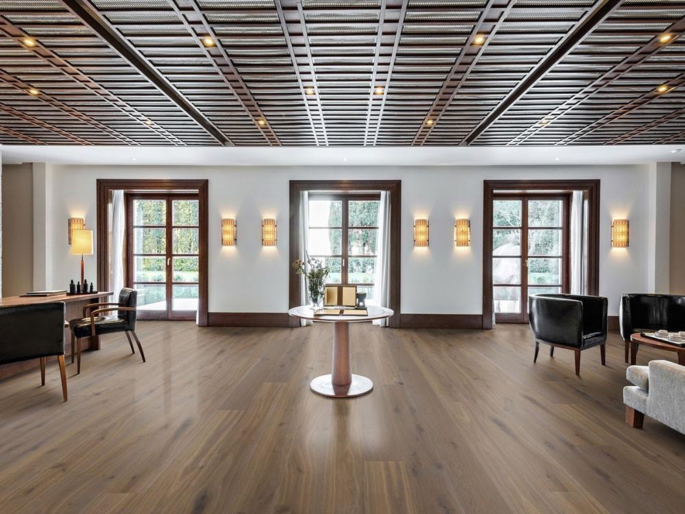 Sàn gỗ gam màu nâu trung tính