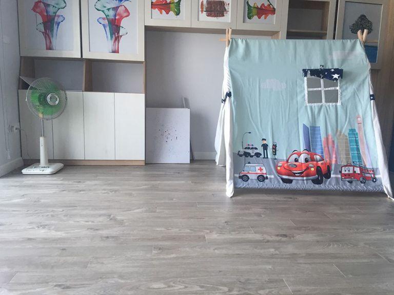 Sàn gỗ trung tính