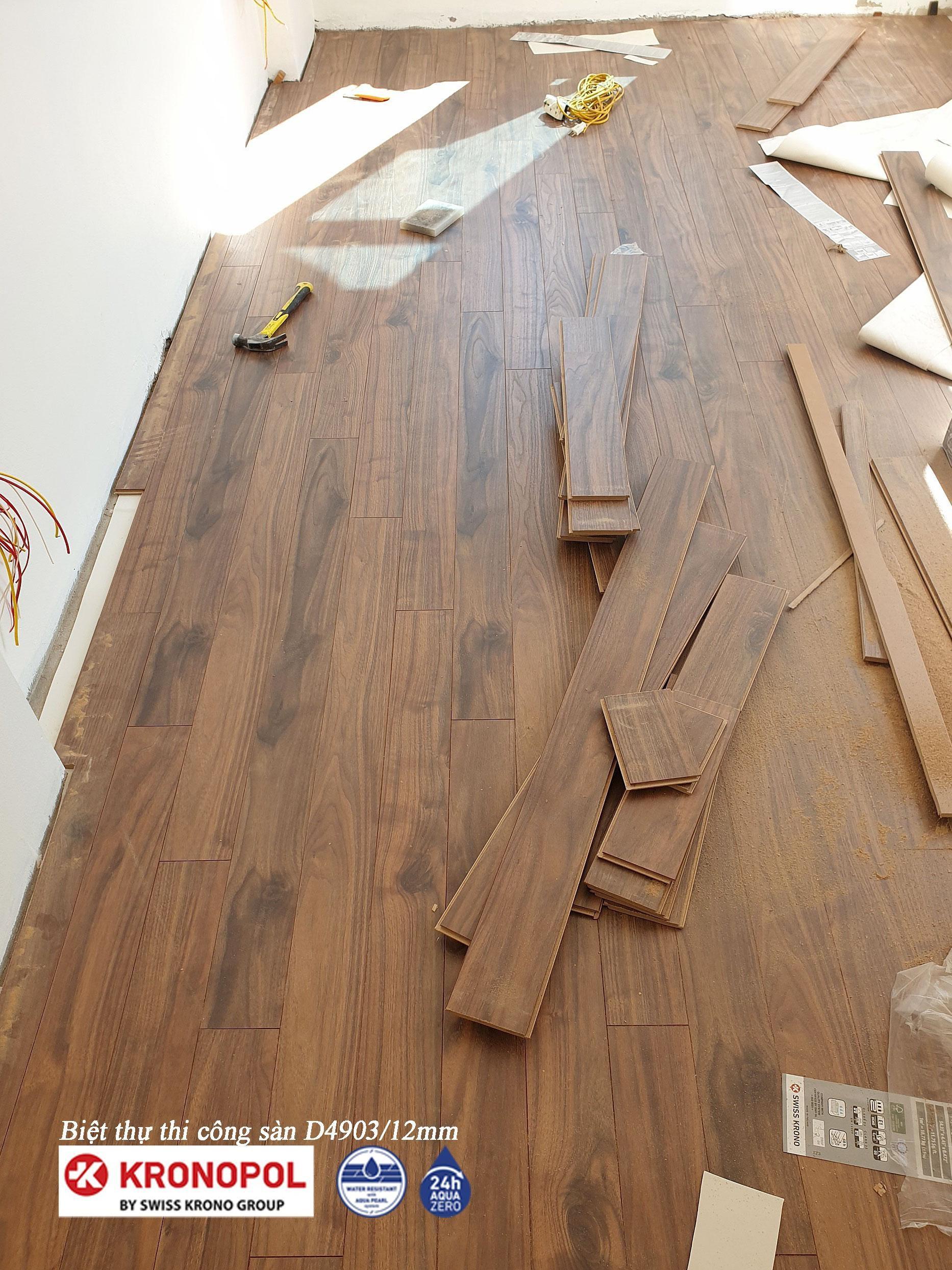 Thi công hoàn thiện sàn gỗ Kronopol D4903 - Biệt Thự Bắc Giang