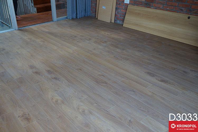 sàn gỗ Kronopol Aqua Zero D3033 sắc vàng