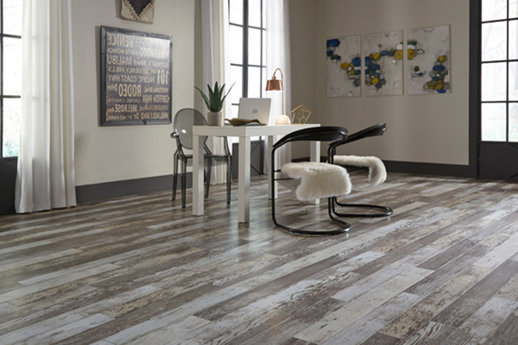 không gian đẹp với sàn gỗ màu tối