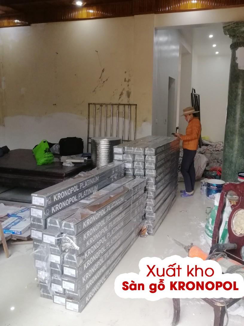 Sàn gỗ Kronopol đã được chuyển và bàn giao cho điểm thi công